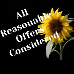Reasonable Offers Considered & Fast Shipping 😍